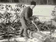En film om skogsbruket i Grytnäs socken omkring halvsekelskiftet 1950