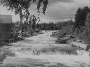 Stillbild ur filmen I Hälsingebygd som föreställer älven Voxnan