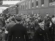 Krigsfångeutväxling – Sårade tyska och allierade krigsfångar utväxlas genom Röda korsets förmedling