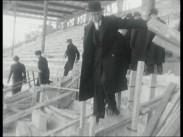 Råsunda fotbollsstadion byggs
