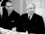 Stillbild ur journalfilmen Veckorevy 1942-10-05 som visar Julius Jaenzon och Olof Andersson